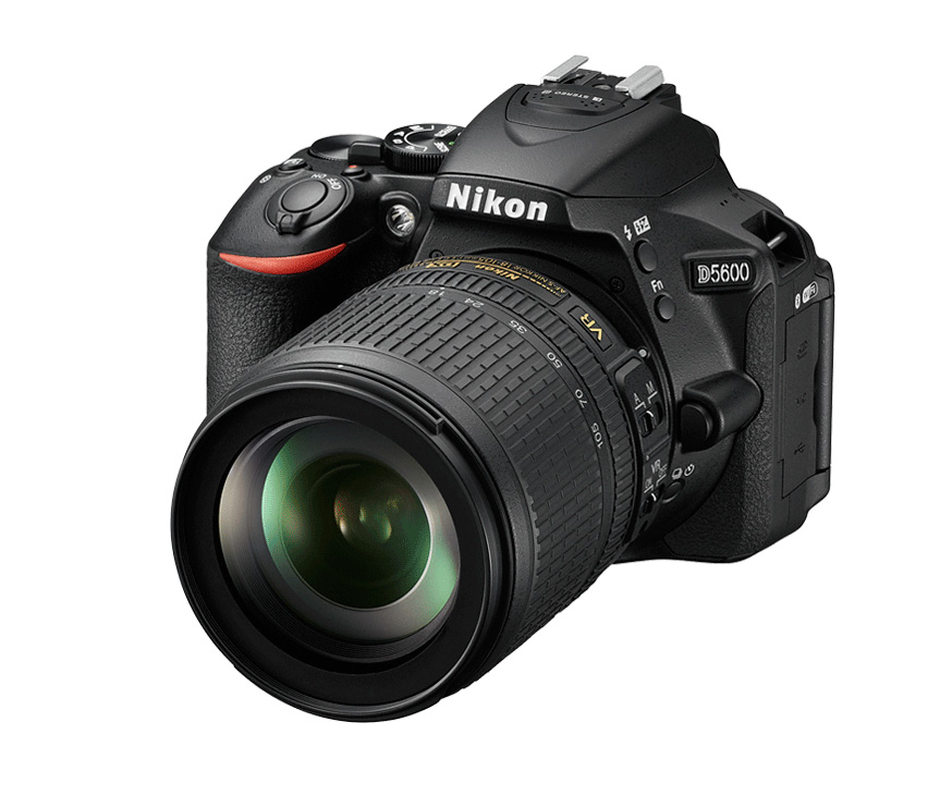 Nikon D5600 + AF-S 18-140mm f3.5-5.6G ED DX VR